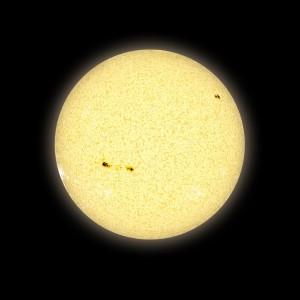 È molto difficile derivare l'età di una stella molto vecchia in quanto esse ruotano molto più lentamente e hanno macchie scure più piccole e deboli. Credit: David A. Aguilar (CfA)